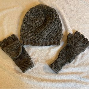 Old Navy never worn mittens and beanie